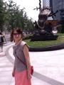 так жарко, что даже памятники плавятся :)