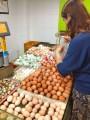 Уже на нашем рынке - вот такое разнообразие яиц